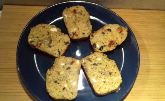 sajtos cukkini kenyér