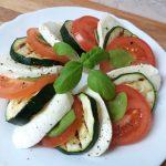 caprese saláta grill cukkinivel