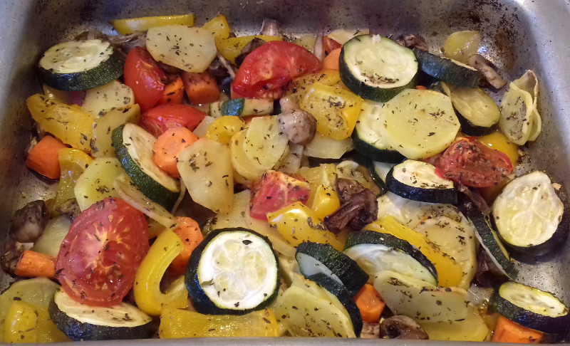 tepsiben sült zöldségek