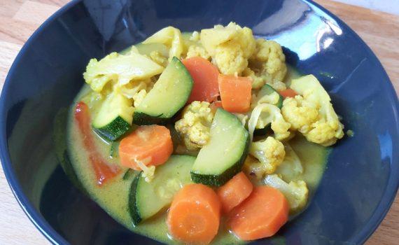vega zöldség curry kókusztejjel