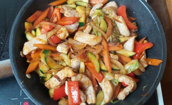 zöldséges csirkés stir fry